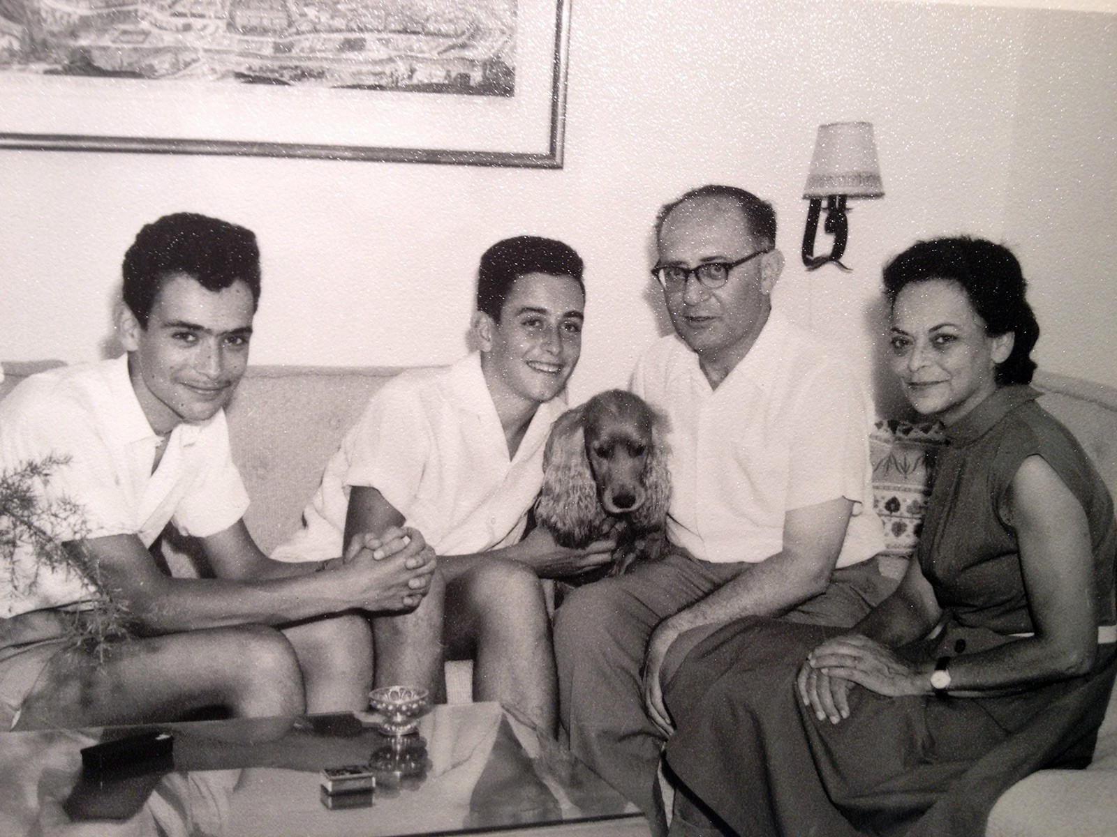 The Yahil family around 1960: Amos, Jonathan, Chaim, and Leni © Private collection.
